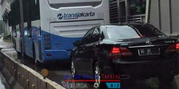 Ahok Akan Pastikan Berpelat RI Boleh Masuk Ke Jalur Transjakarta