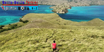 Pulau Padar, Pulau Yang Penuh Pesona Dan Diapit 3 Teluk