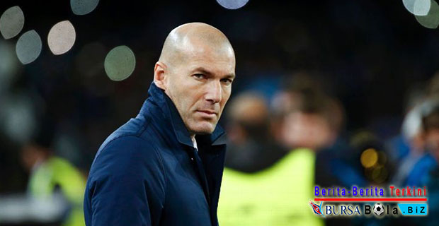 Tepis Isu Berada di Zona Krisis, Zinedine Zidane Bela Real Madrid