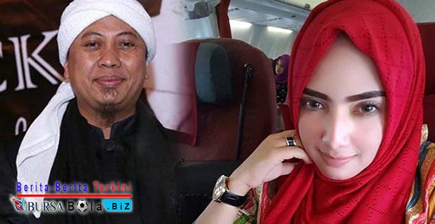 Tersipu Malu, Benarkah Yulia Mochamad Tidak Menutup Kemungkinan Menjadi Istri Opick?