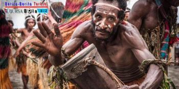 Mengenal Ragam Tradisi Unik Suku Asmat di Indonesia