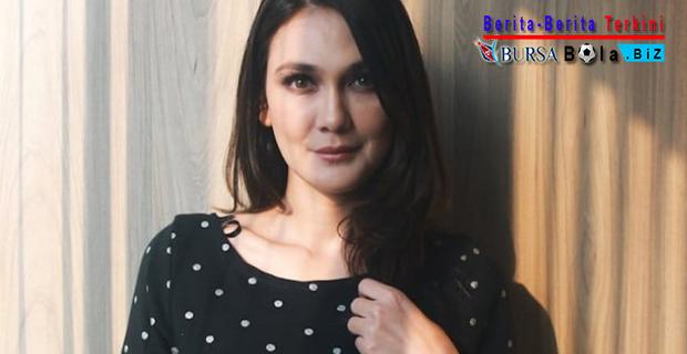 Intip Sinopsis Film Suzzanna 'Bernapas Dalam Kubur'